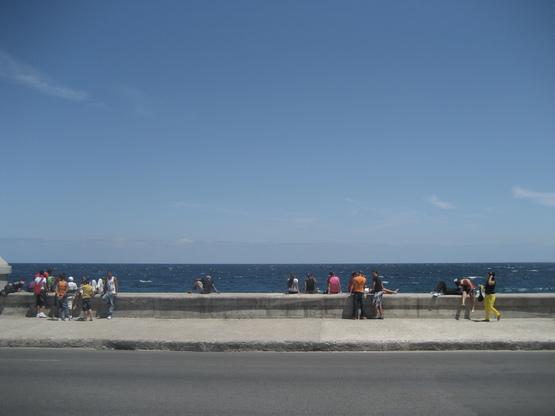 ハバナ/週末の海岸通り_a0103940_4241797.jpg