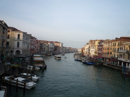 Italy ヴェネチア水の都_e0195766_1861178.jpg