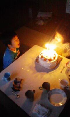 ささやかなる誕生日パーチー_f0168392_2225886.jpg