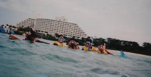 ★家族旅行★in沖縄 …初めてのシュノーケリング_d0082356_1061050.jpg