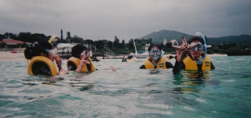 ★家族旅行★in沖縄 …初めてのシュノーケリング_d0082356_1063270.jpg
