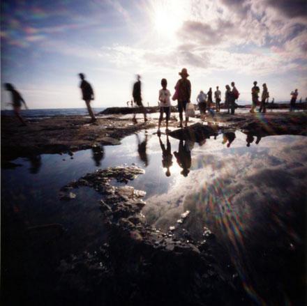 磯で遊ぶ 江ノ島の岩場 Pinhole Photography_f0117059_1944479.jpg