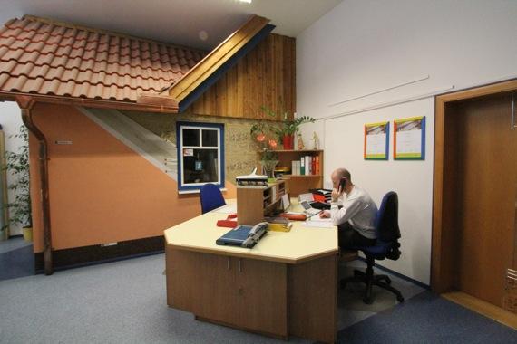 '10オーストリア・スイスのパッシブハウス・木造多層階研修6_e0054299_14395287.jpg