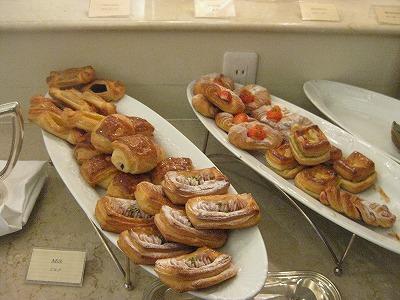 2010年2月 ナハテラス レストランファヌアンで朝食_a0055835_19393499.jpg