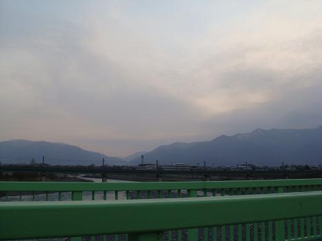 橋の上の風景_a0014840_2231366.jpg