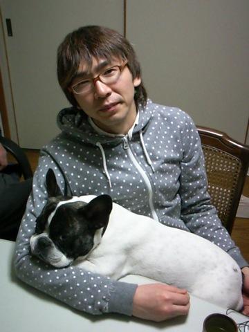 なんかカッコツケテルナ・・・  けんじ_b0048882_0483549.jpg