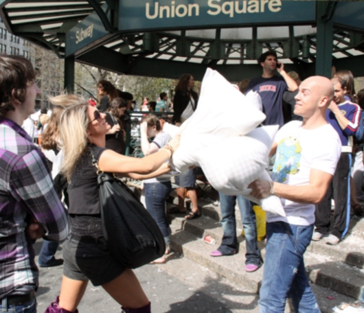 Annual Pillow Fight Day 2010_b0007805_11503321.jpg