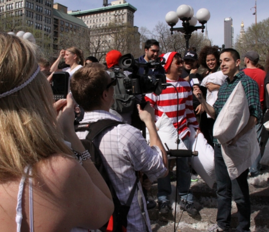 Annual Pillow Fight Day 2010_b0007805_11523841.jpg