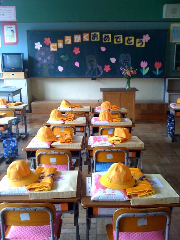 母校入学式にわたしも来賓で出席_b0188106_19381895.jpg