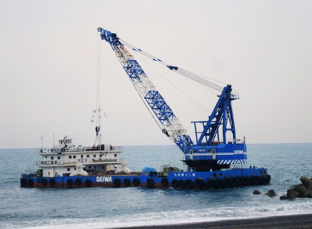 クレーン船 : 日々ノカケラ