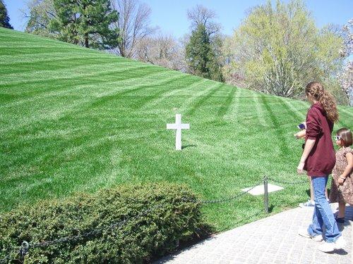 DCでお花見 part3 アーリントン墓地_c0064534_226122.jpg