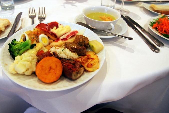 おいしいマカオ・ポルトガル料理♪ ~澳門陸軍倶楽部餐廳 マカオミリタリークラブ~_d0145934_8191417.jpg