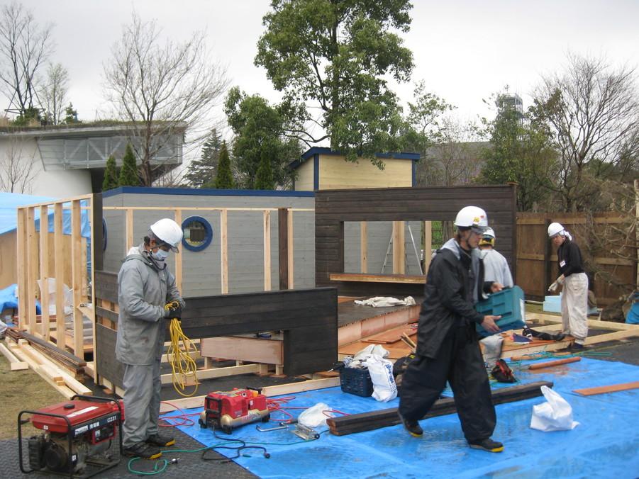 ガーデンショー進捗状況2日目_e0128446_17463655.jpg