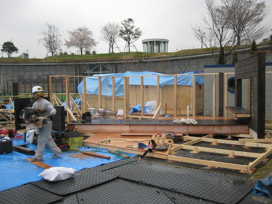 ガーデンショー進捗状況2日目_e0128446_17465146.jpg