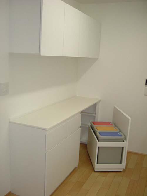 エナメルホワイトでトータルデザイン キッチン+食器戸棚+洗面台_f0222049_1514870.jpg