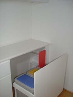 エナメルホワイトでトータルデザイン キッチン+食器戸棚+洗面台_f0222049_1523858.jpg