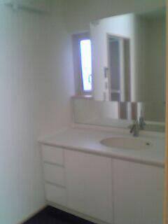 エナメルホワイトでトータルデザイン キッチン+食器戸棚+洗面台_f0222049_1554281.jpg