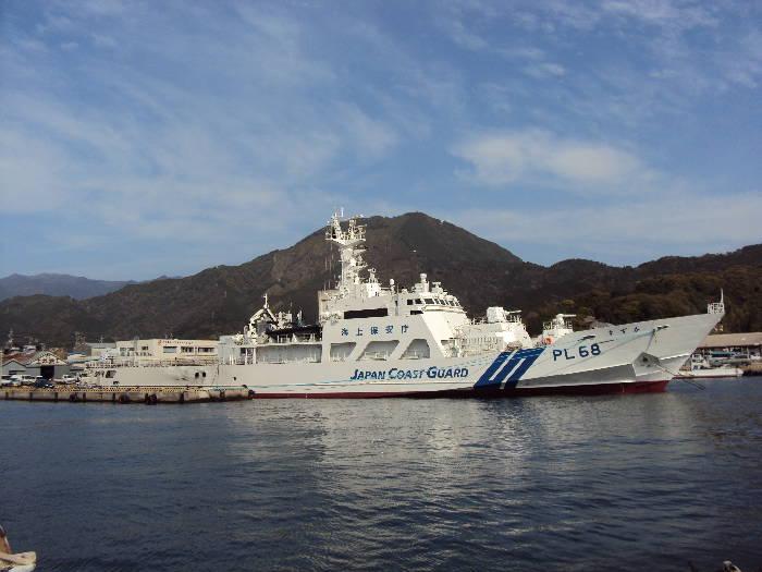 新しい巡視船二代目「すずか」です。 尾鷲海上保安部に新しい巡視船「すずか」が配備