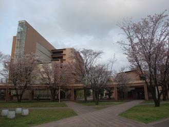キャンパスを歩く_b0183063_1535361.jpg