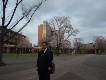 キャンパスを歩く_b0183063_1537398.jpg