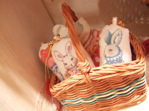 『Bunnies and Baskets』展_f0223074_5285634.jpg