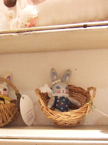 『Bunnies and Baskets』展_f0223074_530417.jpg