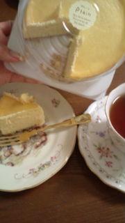 チーズケーキいただきましたぁ_e0114246_20382159.jpg
