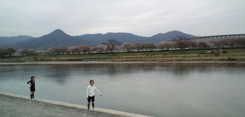 家族でサイクリングin室見川_d0082356_1725311.jpg