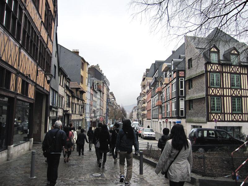 フランスへGO♪♪^^♪♪ 〜3/21〜ルーアンの街並〜_f0119369_9293720.jpg