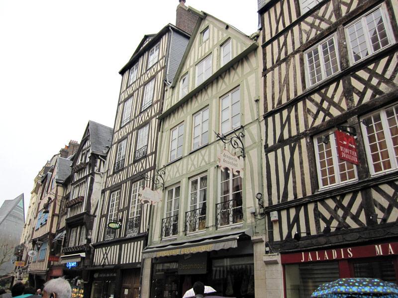 フランスへGO♪♪^^♪♪ 〜3/21〜ルーアンの街並〜_f0119369_9361241.jpg