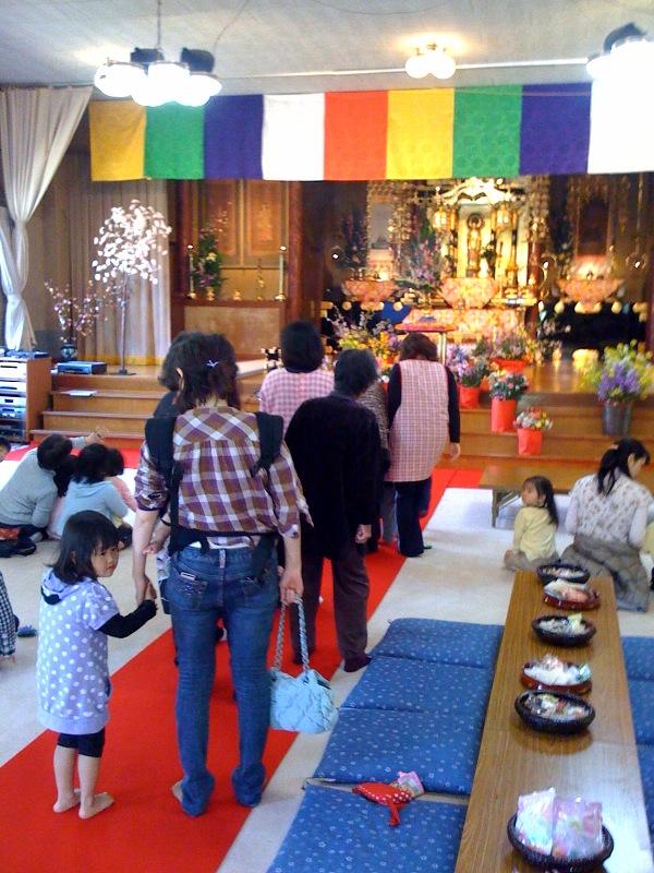お寺のはなまつり_b0188106_12553067.jpg