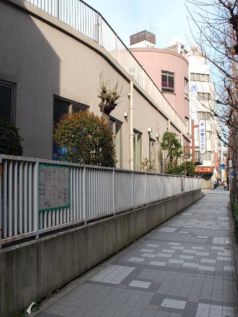 東京都中央区立旧京華小学校(昭和モダン建築探訪)_f0142606_0284417.jpg