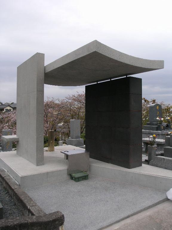 竣工間近!福岡市平尾霊園で新しいお墓のデザインです。_f0236475_7375535.jpg