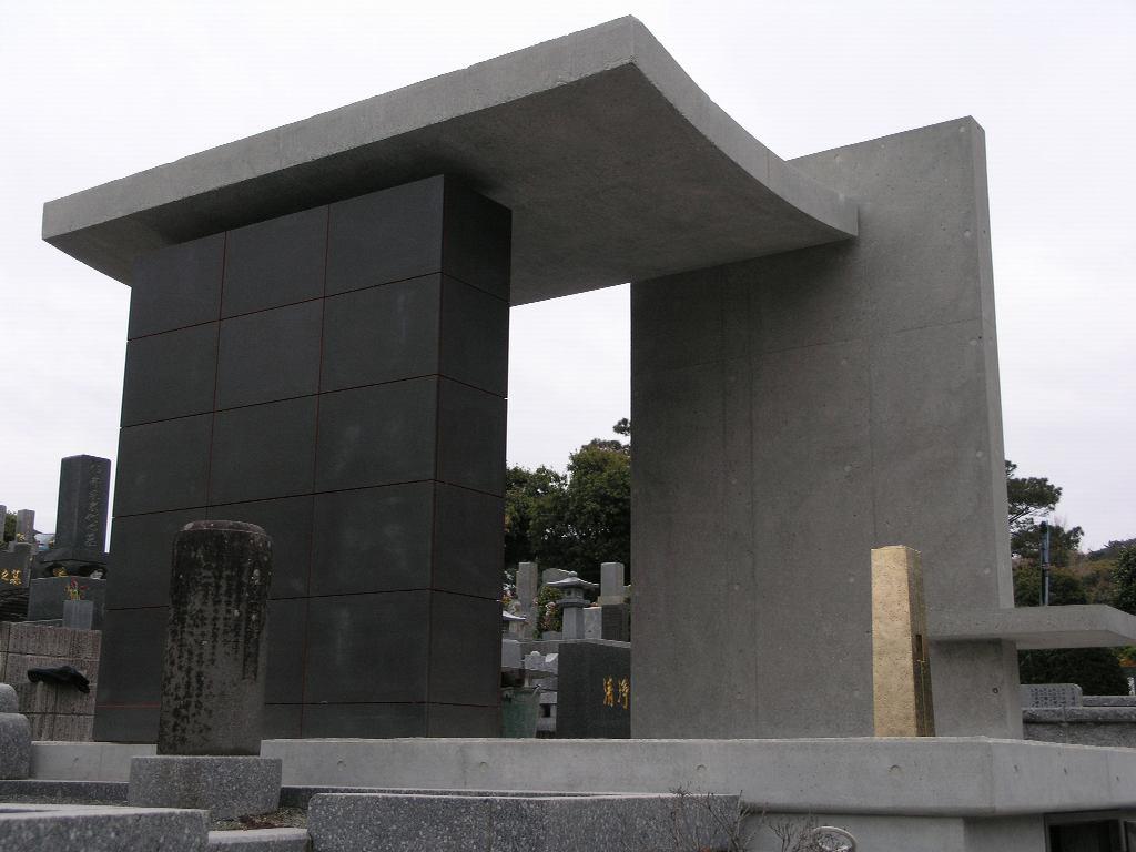 竣工間近!福岡市平尾霊園で新しいお墓のデザインです。_f0236475_7385845.jpg