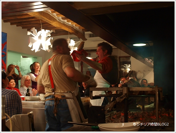 トスカーナでビステッカ フィオレンティーナを食す(2010年パスクワの旅)_f0229410_5543488.jpg