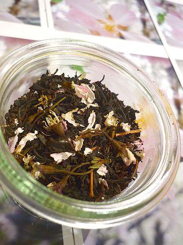 優しい日曜日。。。daikanyamamariaの桜のお紅茶。♪。。。* *。:☆.。†_a0053662_054377.jpg