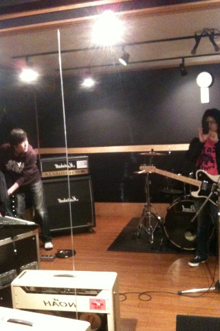 今日は井口さんと曲作りです_b0048882_22265.jpg
