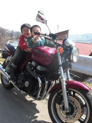 バイクの季節もやってくる_c0125899_12274168.jpg