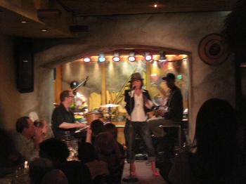 singing in NY 2_e0113805_1383287.jpg