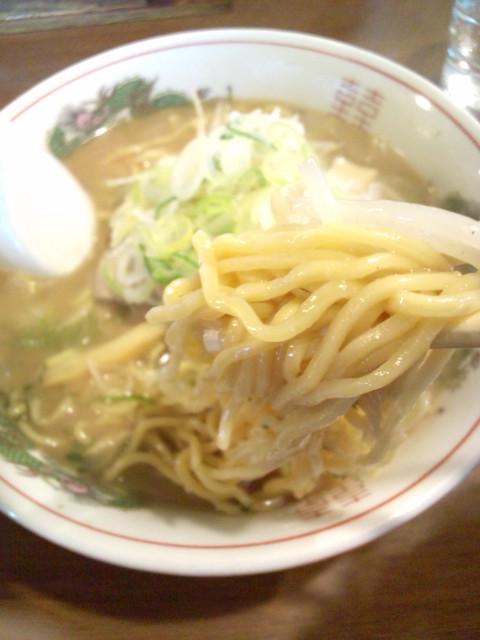 (^o^)これが日本一のラーメン!_b0032617_17373097.jpg