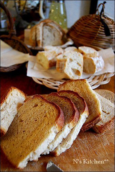 久しぶりにパンなど焼いておもてなし_a0105872_1635549.jpg