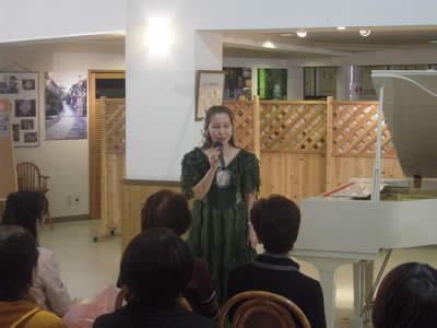 上田トモコさんピアノコンサート in ちこり村_d0063218_1731131.jpg