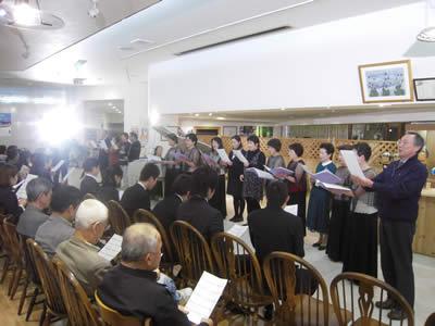 上田トモコさんピアノコンサート in ちこり村_d0063218_1732996.jpg