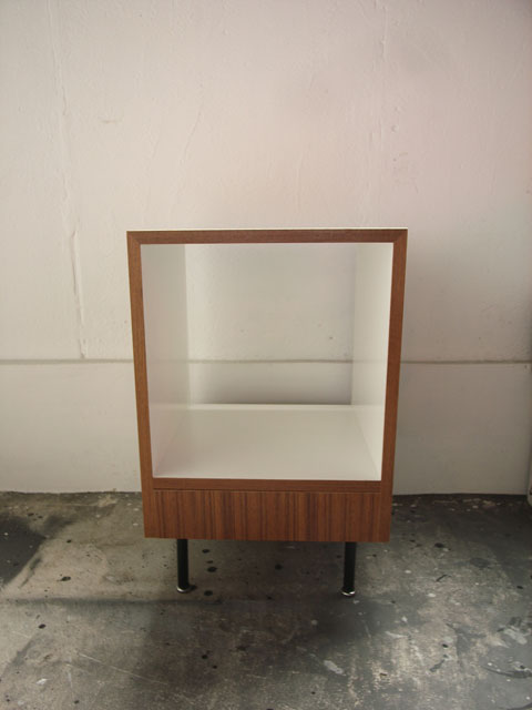 End Table [Nite Stand]_a0161631_16382471.jpg