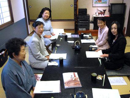 女将の会4月会議_b0145257_19115599.jpg