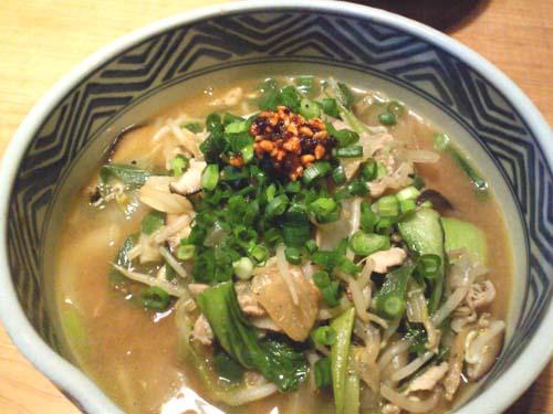 野菜たっぷり味噌らーめん_f0054859_7491361.jpg
