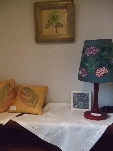 オークリーフ(刺繍展の装飾)_f0049672_17584513.jpg