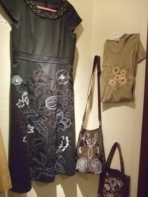 オークリーフ(刺繍展の装飾)_f0049672_17591389.jpg