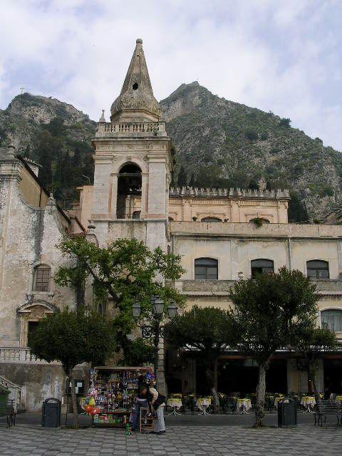 イタリア旅⑥⑦4月10,11日、タオルミーナ、チェファル観光_f0060461_133287.jpg