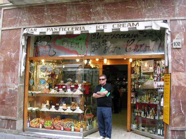 イタリア旅⑥⑦4月10,11日、タオルミーナ、チェファル観光_f0060461_13335968.jpg